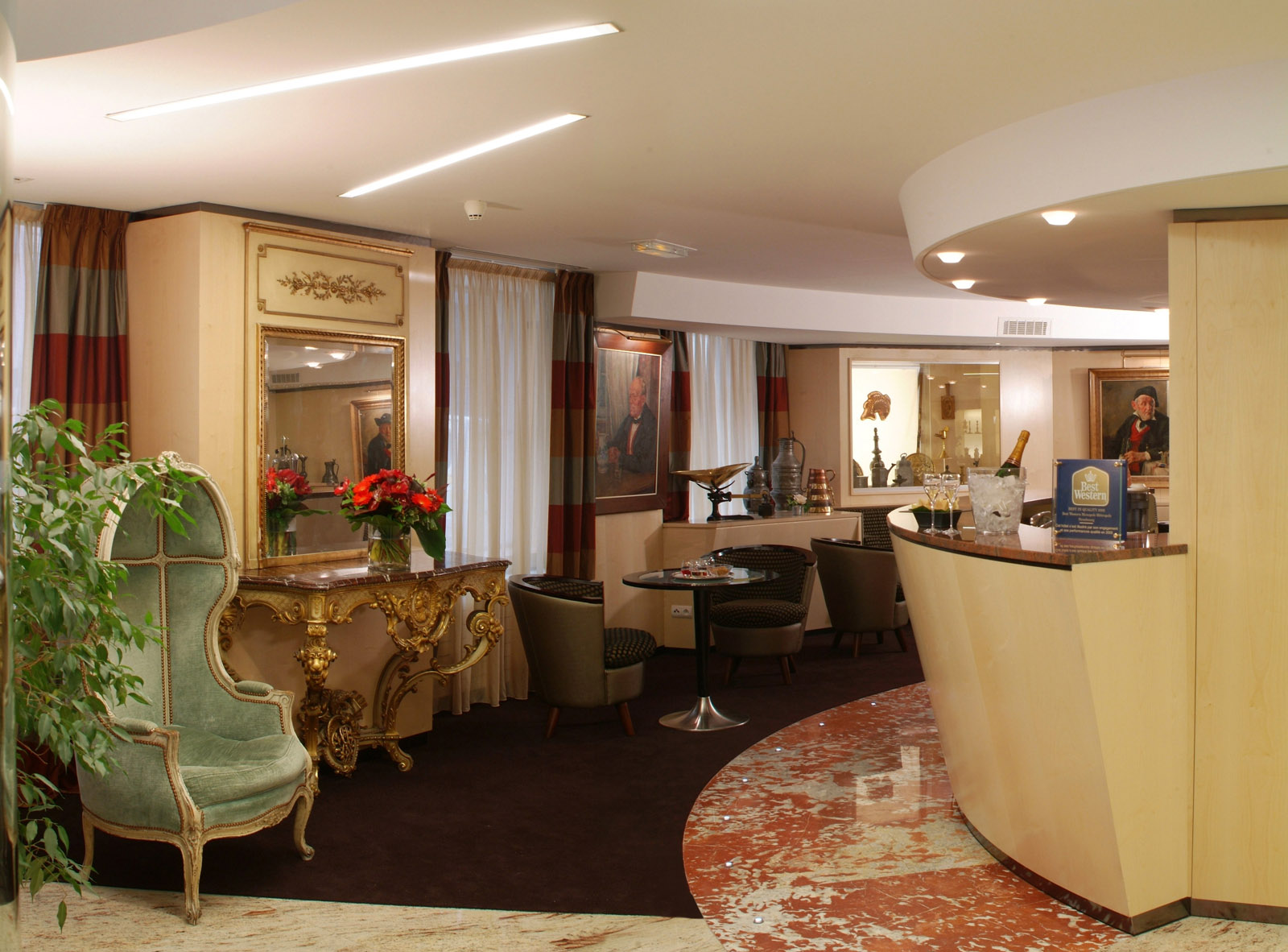 lounges and bar hotel strasbourg citycenter train